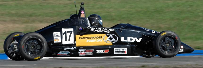 #17 Callum Hedge leads the NZ F1600 Champinoship (1200x536)